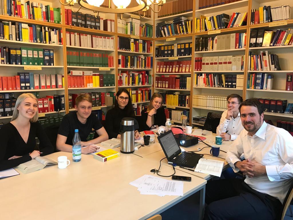 Die Mooties des Teams Hannover mit Prof. Dr. Steffen Lampert